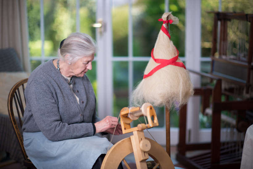 Spinning flax for linen