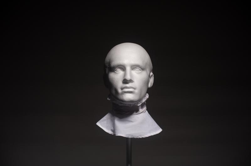 Model Head-049