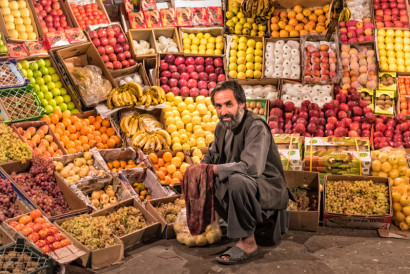 Street fruit-seller