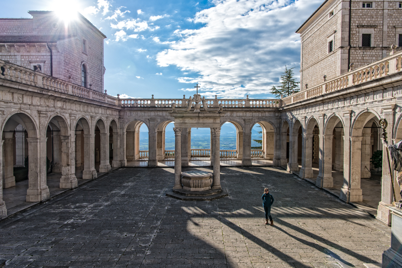 Blou in the central courtyard at Monte Cassino